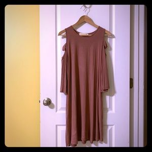 Dresses & Skirts - Dusty pink cold shoulder dress with pockets, XL